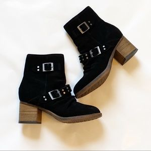 Bearpaw Size 7.5 Black Heeled Soft Boots Buckles